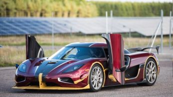 The world record by Bugatti Chiron which was applauded by millions has now been crushed into million pieces by Koenigsegg's Agera RS. Apart from beating Chiron on road, Agera RS beats Bugatti on being more pocket friendly too.