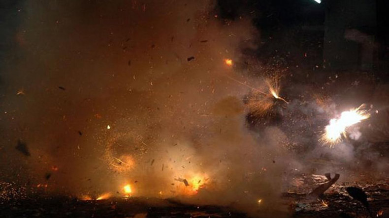 pollution due to diwali Pollution killing more people than war ninety-two percent of pollution-related deaths but the night after devotees commemorated diwali, pollution rose.