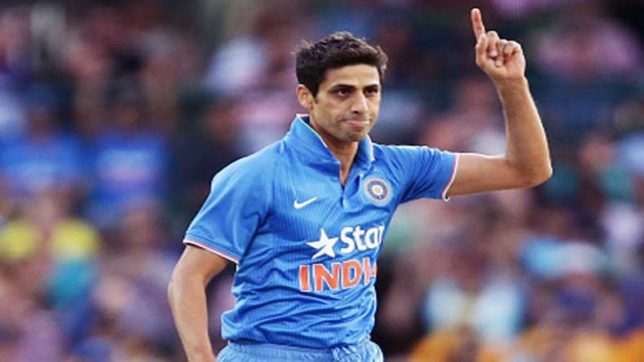 After surprise return into India T20 squad, Ashish Nehra likely to announce retirement?