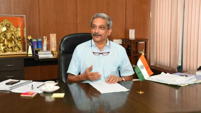 Children's-Day-November-14-Manohar-Parrikar-tells-schoolkids-about-his-'adult-movie'-experience