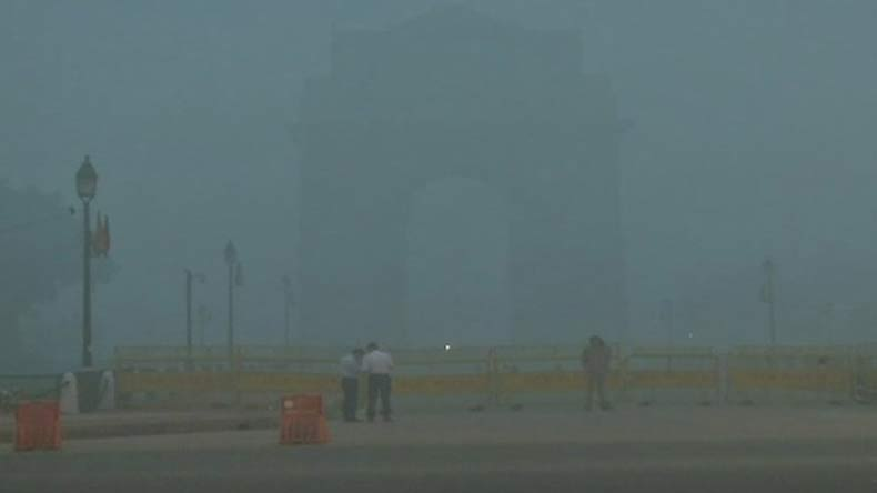 Delhi Pollution, Delhi Smog, Pollution in Delhi, High level pollution in Delhi, Air Quality Index, AQI, India Gate, Rajpath, national news, latest news
