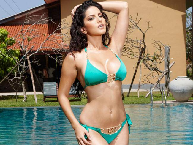 Hot and sexy sunny leone photo