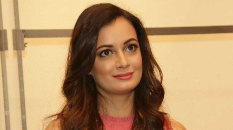 Bollywood actress Dia Mirza opens her heart for plastic waste - NewsX 5e50db899