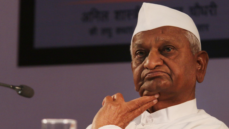 Anna Hazare ends hunger strike after talks with Devendra Fadnavis and Gajendra Singh Shekhawat