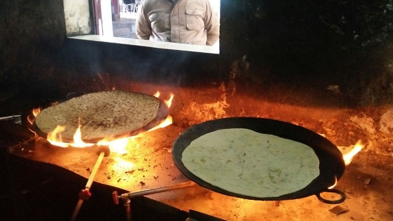 tapasya parantha junction,big fat paranthas challenge, haryana parantha, roadside eatery, big paranthas, parantha challenge, national highway, dhabas in haryana, parantha junction