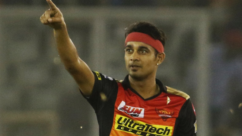 Mufti Government Ignores Siddarth Kaul Hails Manzoor Dar Over Ipl  Selection Newsx
