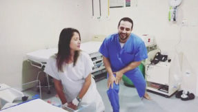 Viral video! Doctor dancing with pregnant woman to release stress