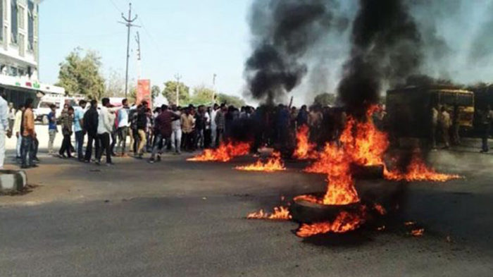 Karni Sena activists go on rampage against release of Padmaavat in Ahmedabad