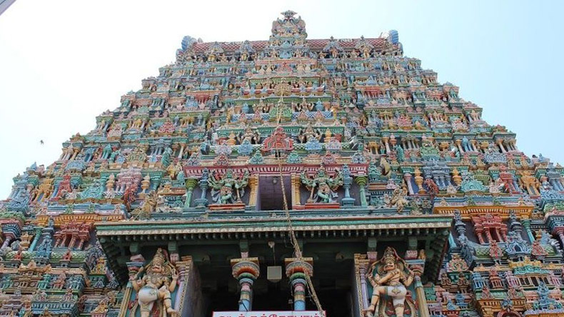 Madras High Court bans mobile phones inside Meenakshi Amman temple; to be in effect from March 3