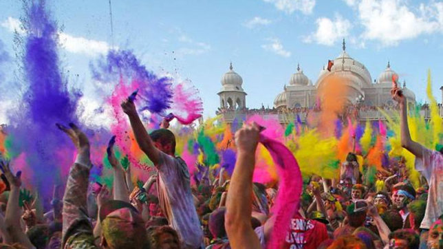 Happy holi messages and wishes in hindi for 2018 whatsapp messages happy holi 2018 share messages and greetings with your loved ones image for pictorial representation m4hsunfo