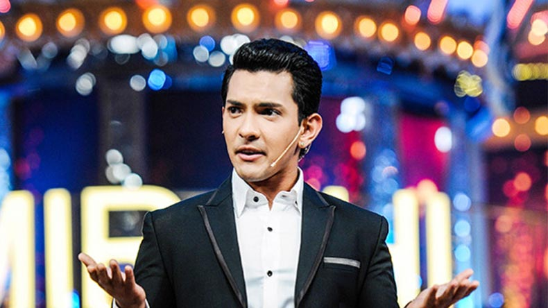 Aditya Narayan arrested after running car into rickshaw; later released on bail