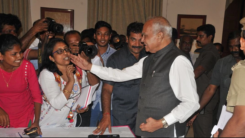 Governor Banwarilal Purohit apologises to woman journalist for 'pat on cheek', says she is like his granddaughter