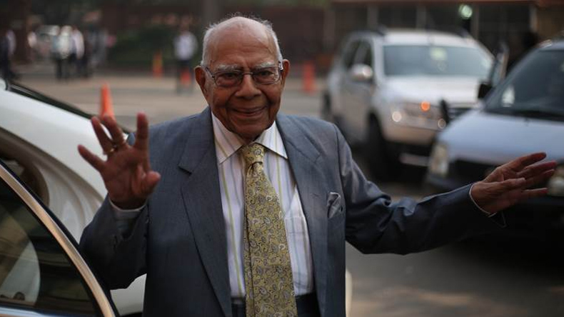 Ram Jethmalani terms Karnataka Governor's decision stupid, says it's an open invitation to corruption