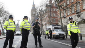 British Police arrest man claiming to have a bomb at London's Charing Cross railway station