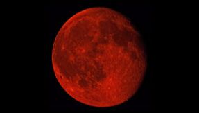 Lunar Eclipse Chandra Grahan Blood Moon 2018 Live Updates: India braces for celestial spectacle with prayers