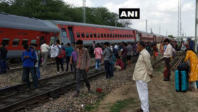 Several coaches of Pooja express derail near Jaipur, no casualties