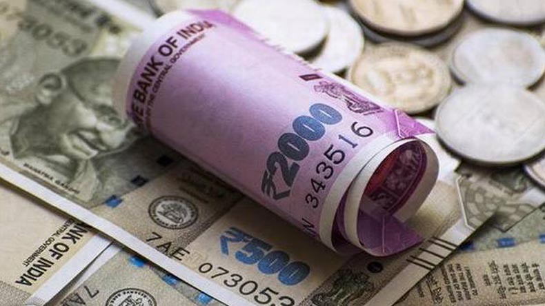 Rupee closes at historic low of 69.05 against US dollar