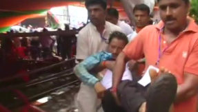 Tent collapses during PM Modi's rally in West Bengal's Midnapore, 20 injured