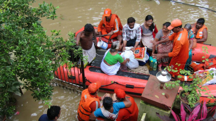 Kerala floods LIVE updates: PM Modi visits state, announces Rs 500 crore immediate aid, BJP-ruled states pitch in with extra aid