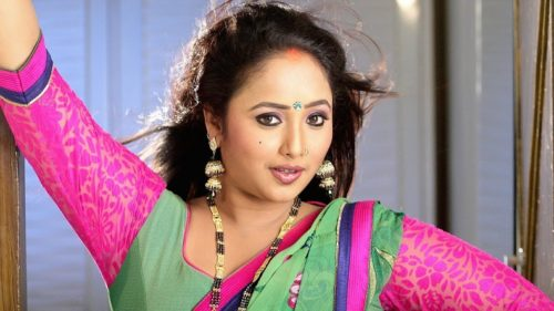 Bhojpuri sensation Rani Chatterjee looks beautiful in her blue outfit, see photo