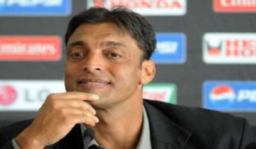 Shoaib Akhtar loses cool at Indian news anchor's question on Pakistan losing to India in Asia Cup 2018