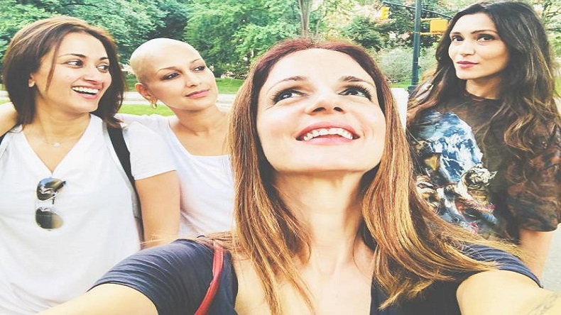 Brave Sonali Bendre joins her best friends Sussanne Khan, Gayatri Oberoi in New York