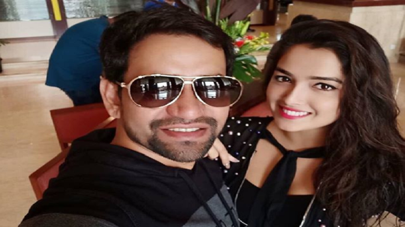 Bhojpuri queen Amrapali Dubey and Dinesh Lal Yadav have set the Internet on fire, here's how