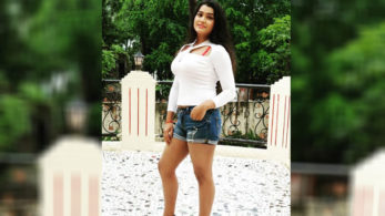 Bhojpuri item girl Kanak Pandey's sensuous dance video has taken the Internet by storm!