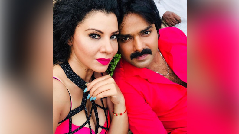 Sambhavna Seth's sexy photo with Pawan Singh is driving fans crazy, view photo