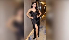 Sunny Leone flaunts her sexy legs in this stunning photo, have a look!