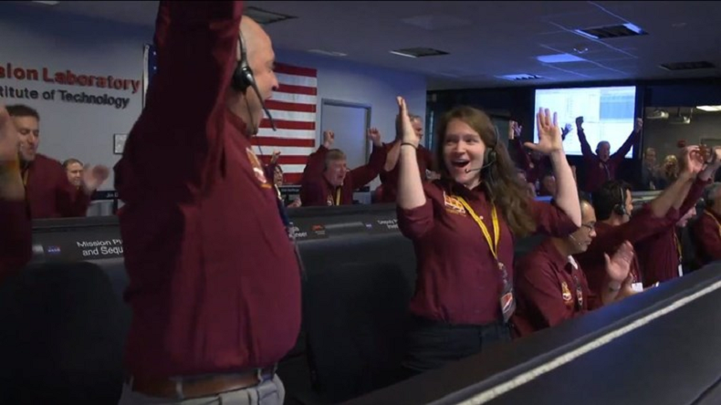 nasa, mars landing, insight landing, insight landing celebrations, insight touchdown handshake, viral videos, science news, mars insight news,