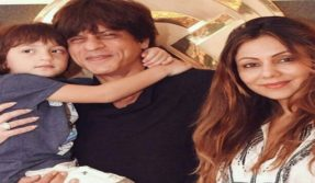 Shah Rukh Khan with son Abram photo: The rare bond of the coolest father-son duo