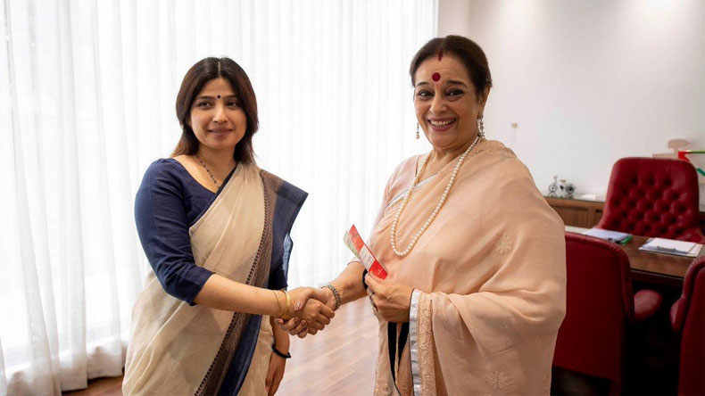 Poonam Sinha, wife of Shatrughan Sinha, joins Samajwadi Party; to contest from Lucknow against BJP's Rajnath Singh