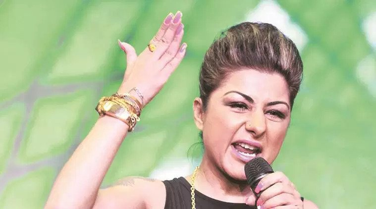 Hard Kaur challenges PM Modi, Amit Shah for one on one fight, find out how social media reacted