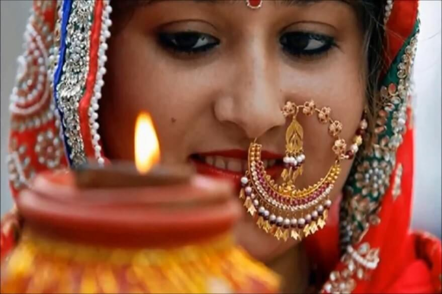 Karva Chauth 2019: Pujan vidhi, significance, mythological beliefs, chantings and other details of grand Hindu festival