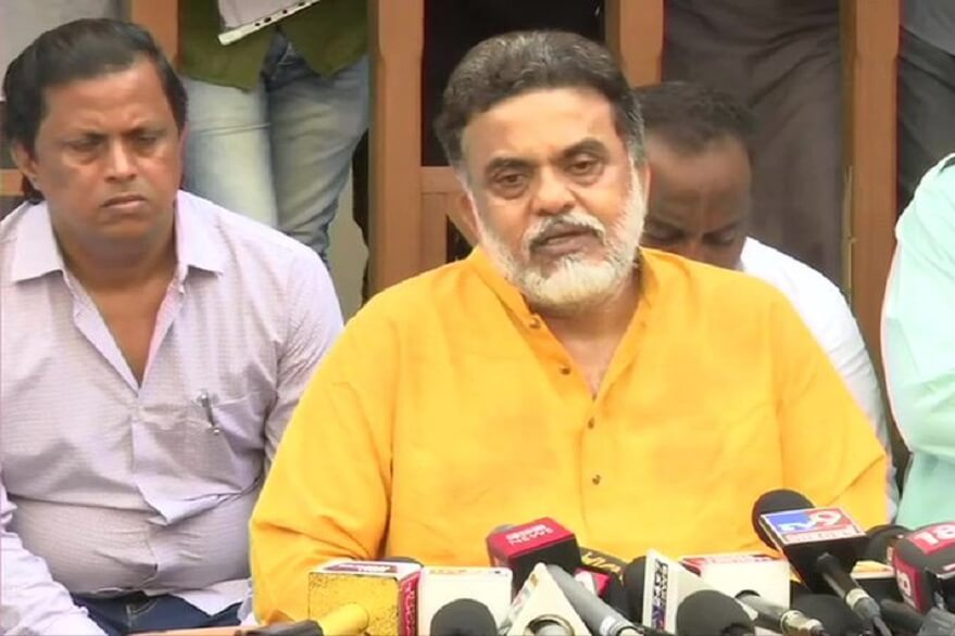 Sanjay Nirupam at the press conference